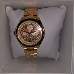 Jewelry - Rose gold watch